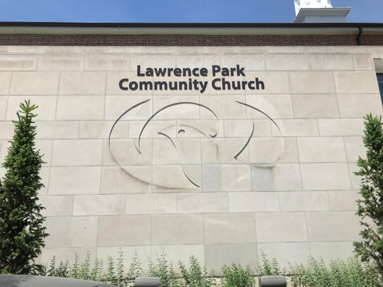 Sunday Morning Online Service at Lawrence Park Community Church