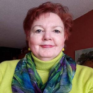headshot of Barbara Lloyd